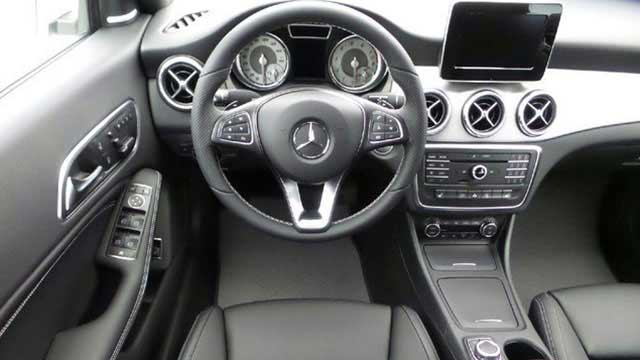 Mercedes benz dealer in st clair shores mi new and used for Mercedes benz payment estimator